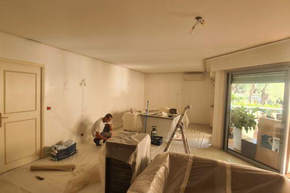 Chantier avant la pose de peinture chez un particulier à Grasse