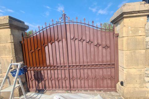 Rénovation d'un portail métallique