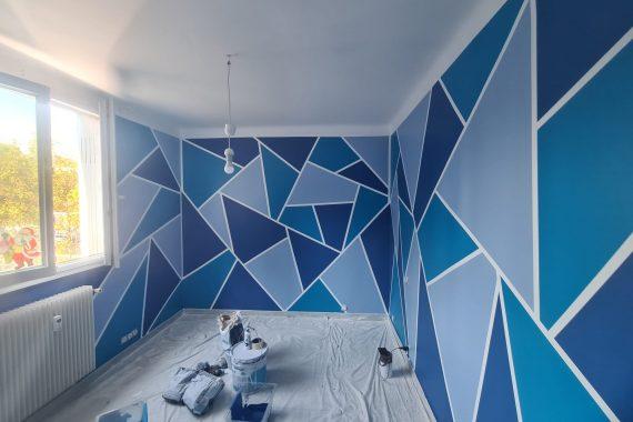 Réalisation d'une décoration 3D avec 3 teintes chambre enfant